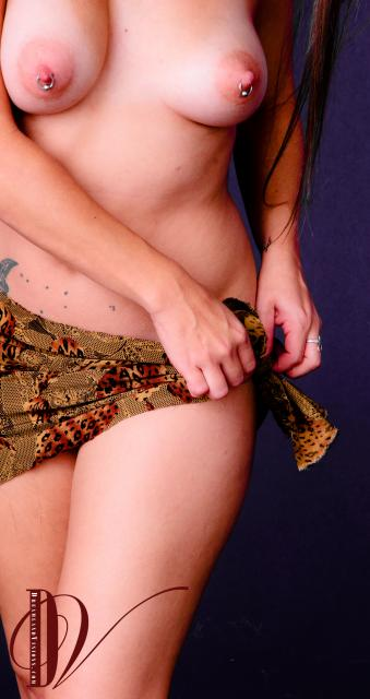 FireBitch tieing on a sarong.